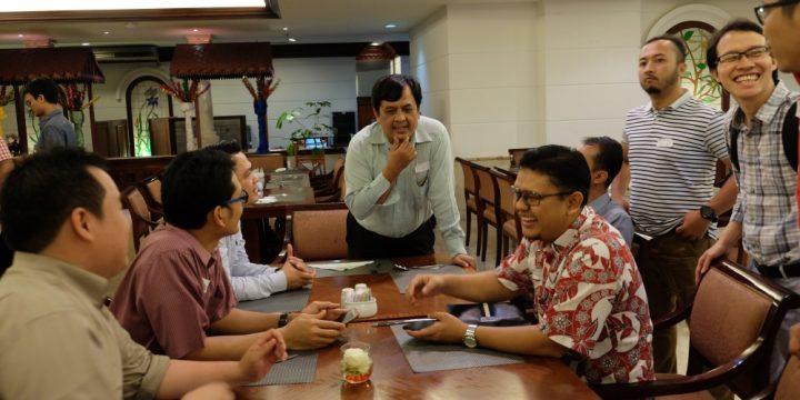"""Dokumentasi Foto Acara """"Malam Silaturahmi dan Pengukuhan Pengurus IA-MET ITB 2017-2020"""" Part 2/3"""
